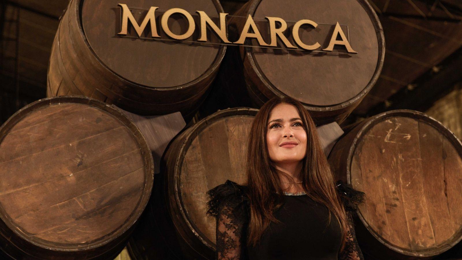 Todo lo que debes saber «Monarca»: la serie de Salma Hayek en Netflix